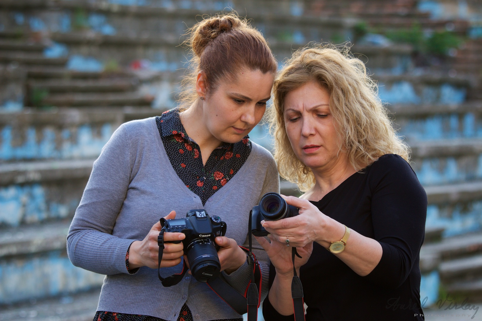 We exchange experiences and learn photography in Aurel Virlan photo class.