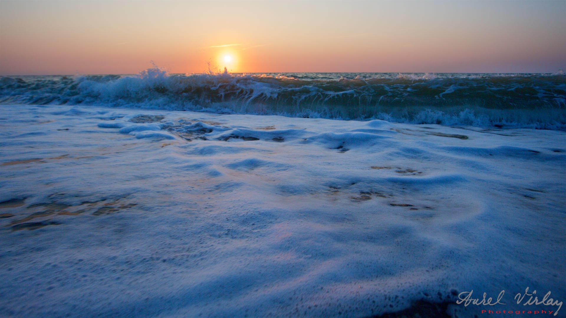 Black Sea waves in Vama Veche. Photograph with Canon EOS 5D Mark III