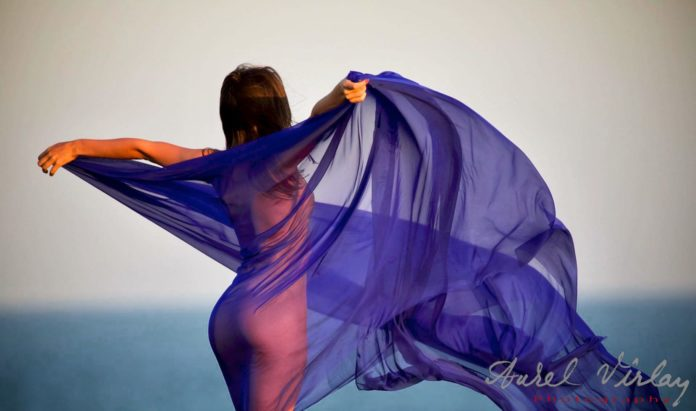 Wind, veil and body.